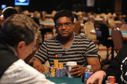 Victor Ramdin can't seem to beat Michael Chow on Day 3