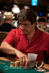 Charles Cohen Uses Lifesavers Candy To Sweeten the Pot At The Seniors Final Table