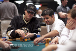 Phil Hellmuth and Owais Ahmed