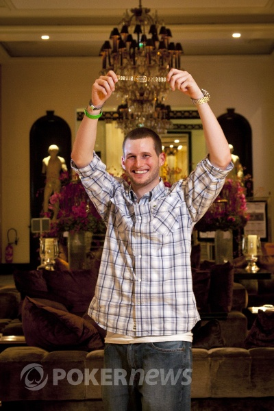 Tristan Wade with his first WSOP bracelet in the lobby of the beautiful Hotel Majestic, which host this years WSOPE.