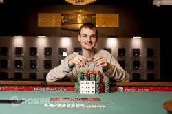 Bracelet winner Simon Charette