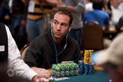 Khan, Solomon Top Day 1; Allisen and Nguyen Close Behind