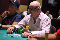 Jacques Enjoubault - Chip leader