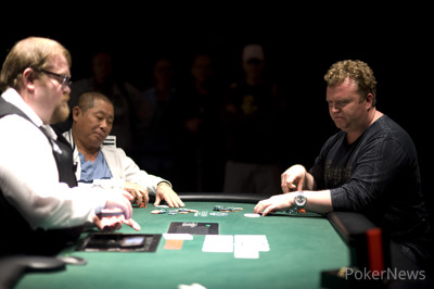 Hua, McNeil Locked in Heads-Up Battle as Day 3 Ends