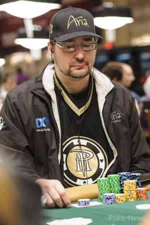Hellmuth Rakes in Three-Bet Pot
