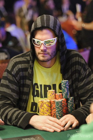 Second Break of Day Five: Greg Merson Eliminated, Chris Lindh Jumps into Lead