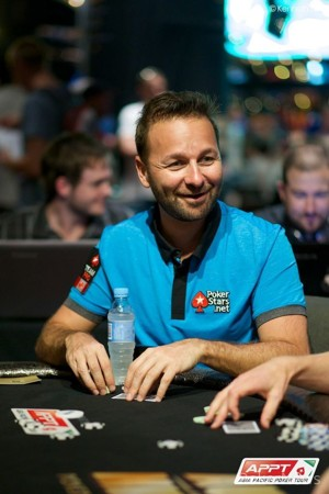 Flush for Negreanu