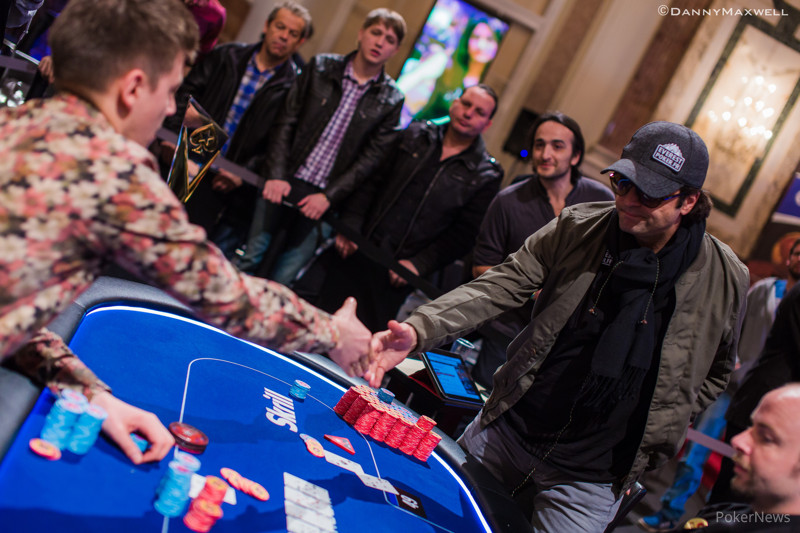 Anatoly Filatov shakes Fabrice Soulier's hand after finishing second in the EPT Vienna High Roller