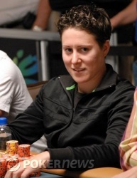 Vanessa Selbst, chip leader heading into Event No. 19 final table