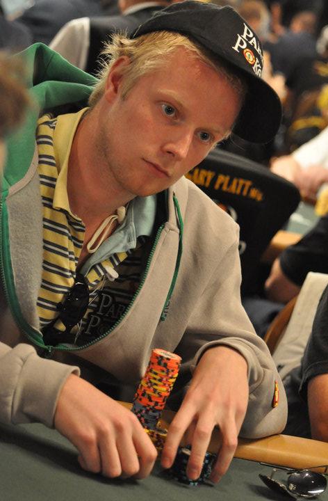 """PokerNews PROfile: Floris """"Flowbow"""" van der Ven wil de beste cashgamer ter wereld worden... 102"""