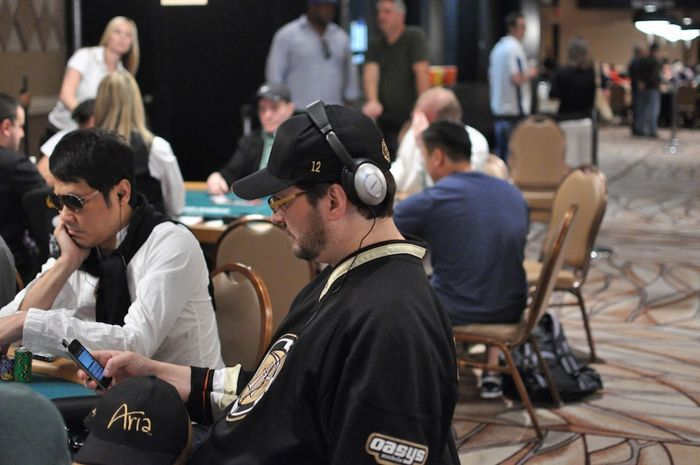 Hellmuth's Bracelet #12 Hats