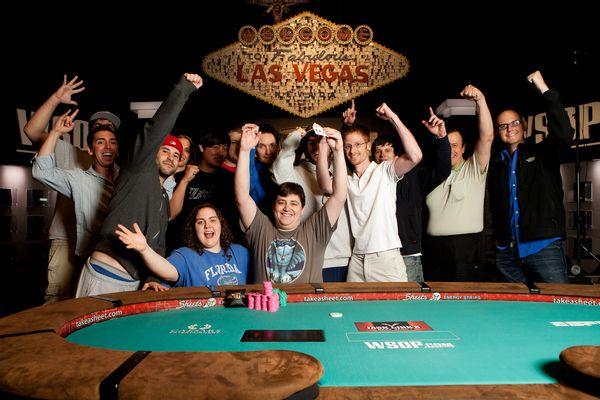 WSOP Boulevard: Belg Michael Gathy wint gouden bracelet & Ivey chipleader Event #24 101