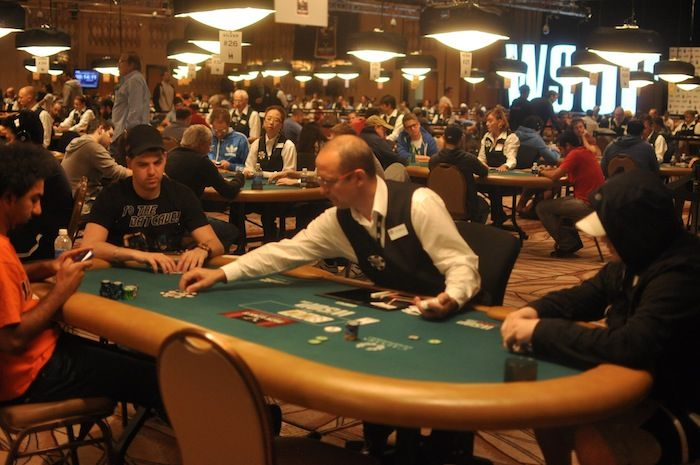 Faraz Jaka, Noah Schwartz, and Shawn Buchanan at the same table in the four-max
