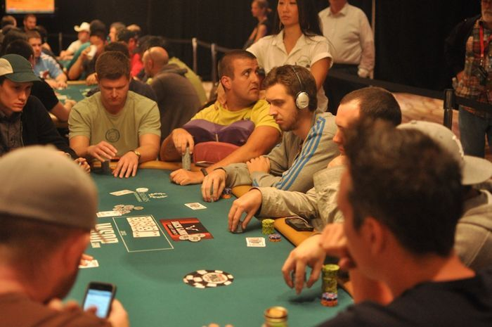 Lex Veldhuis (foreground), Andre Akkari