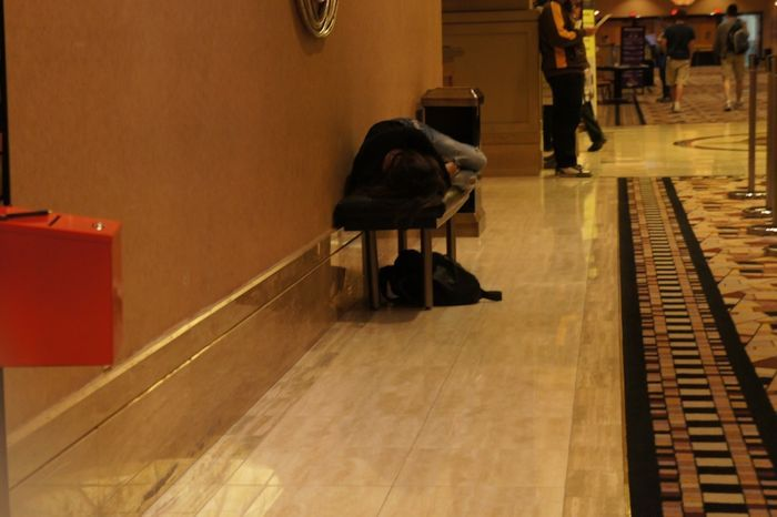 Jennifer Tilly napping in the Rio hallways