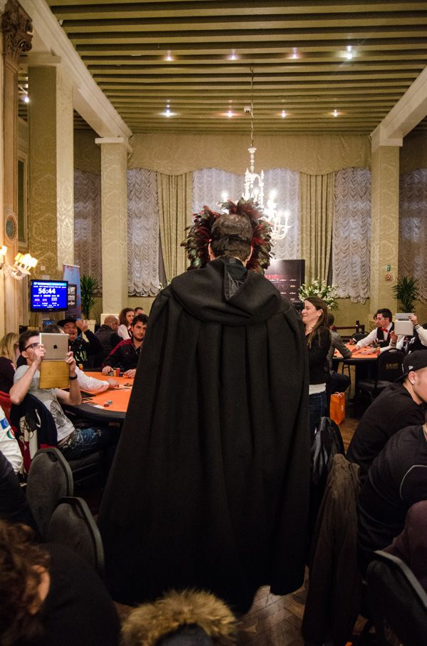 Phil Hellmuth's Grand Entrance to WPT Venice 106