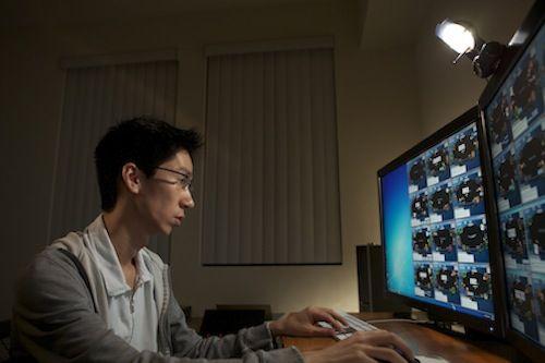 Online poker monitor setups
