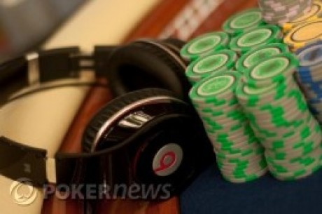 Poker Chips und Earphones