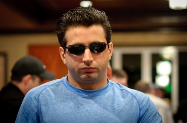 World Poker Tour Hollywood Poker Open Day 1: Eslami Continues 2011 Success with Early Chip Lead
