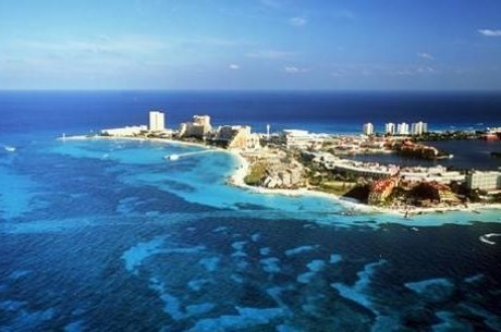 Packing Up to Play Poker: Playa del Carmen