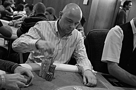 2011 World Poker Tour Prague Day 1a: Ranik Running Away