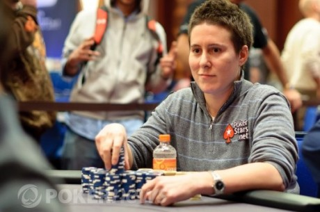 2011 WPT Five Diamond World Poker Classic Day 1: Vanessa Selbst Leads 283 Survivors
