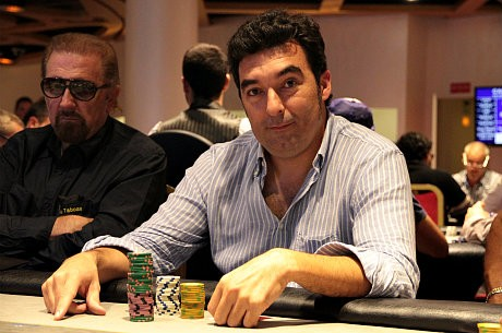 El chip leader, Manuel Salvador