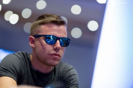 PokerNews Boulevard - Oliver Price chipleader in openingsevent bij WSOP Europe