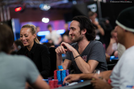 Reading Poker Tells Video: Smiling and Laughing from Non-Aggressors