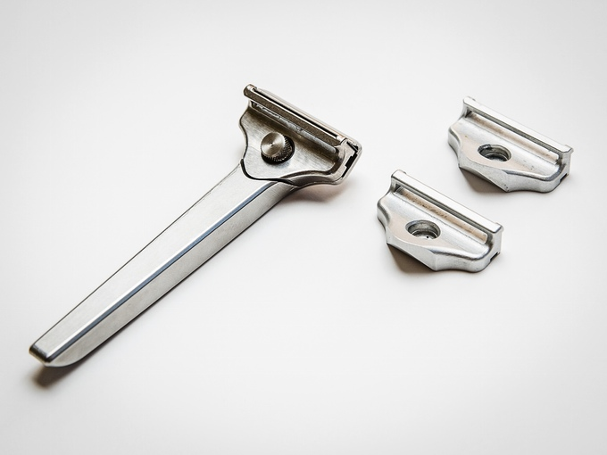 clean edge razor case commentary