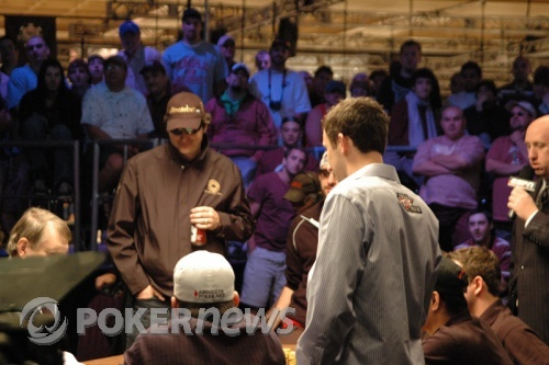 Phil Hellmuth and Brett Richey - A-A vs. 4-7
