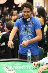 """""""Si esto del poker no me sale bien, siempre puedo ir a Fama"""""""