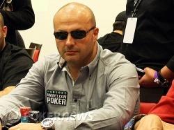 """Serge ou l'une des plus belles """"poker faces"""" du tournoi"""