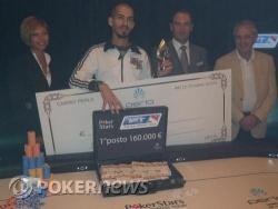 Marco Figuccia riceve il premio da 160,000€