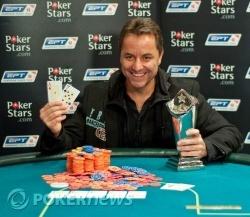 Éste sí es un campeón sonriente, y no lo que se ve por ahí normalmente.
