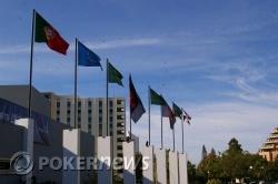 Banderas en la entrada del Casino Vilamoura
