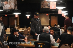 Phil Hellmuth exiting another tournament early!