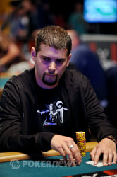 """Elie """"Punisher934"""" Payan Is Punishing The Field On Day 2"""