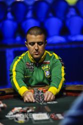 Andre Akkari pushing out 1,000,000