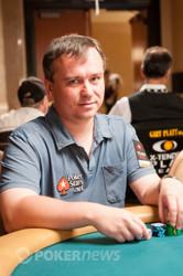 Martin Staszko Over the 8,000 Chip Mark