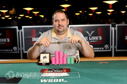 Rep Porter winning his bracelet in this event in 2011.