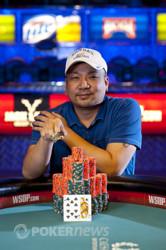 Bracelet Winner Dung Nguyen