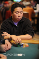 Bernard Lee (Day 1b) is flirting with a 200K stack