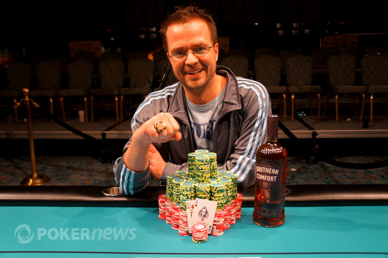 Kevin Saul wins the 2012/2013 WSOP Circuit Foxwoods Main Event!