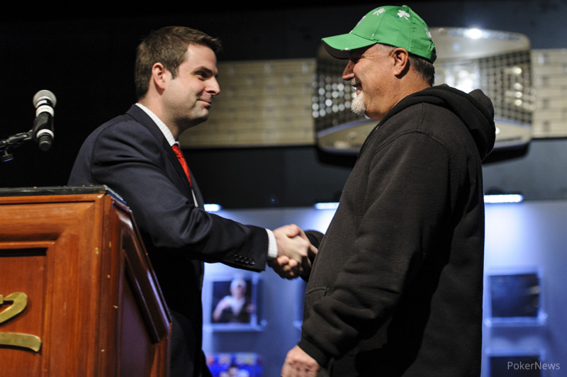 Jack Effel congratulates Tom Schneider, winner of WSOP Event #15: $1,500 H.O.R.S.E.