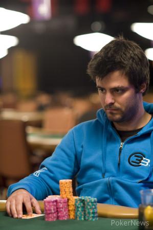 Max Steinberg - Advances to the championship