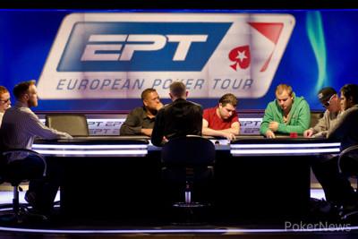 Eduard Bhaggoe aan de feature table