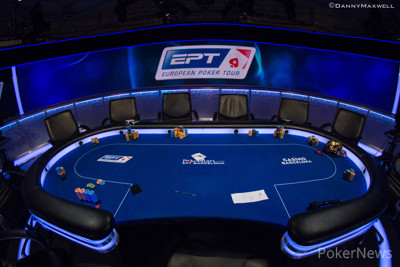 Empty feature table before the final 9 players retook their seats