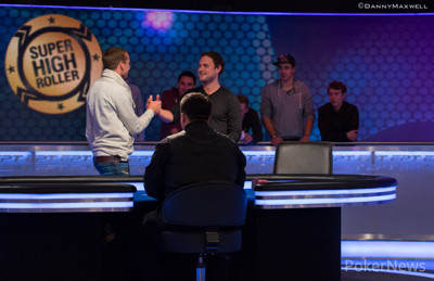 Martin Finger & Tobias Reinkemeier shake hands at the start of heads up play
