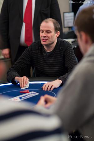 Steven Lewzey burbuja en el Main Event del EPT de Londres